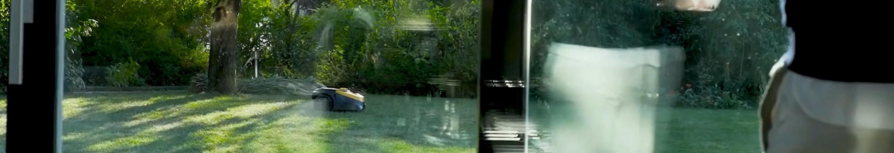 banner-robot-fromvideo_01-2x